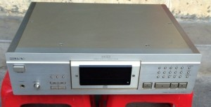 CD sony XA5ES, side dày, 15kg