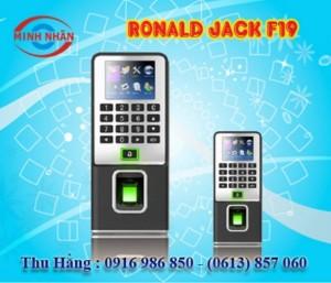 Máy chấm công Ronald Jack F19 - lắp đặt tại Xuân Lộc Đồng Nai