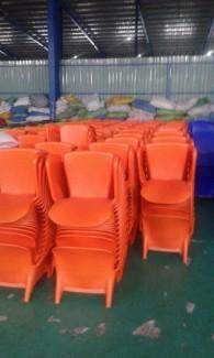 Chuyên sản xuất  bàn ghế dùng cho các công trình quán : cafê,nhà hàng,quán ăn,bar,resort