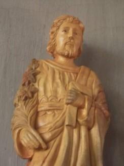 Tượng Thánh Giuse bằng gốc gỗ xá xị thơm nguyên khối.