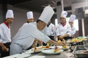 Khai giảng khóa học nghề nấu ăn
