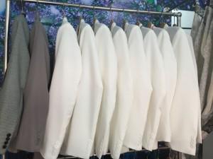 Thuê áo chú rể giá tốt ở đâu?