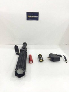 Phụ kiện:Pin sạc, Adapter cắm sạc, chui sạc hỗ trợ pin tiểu.
