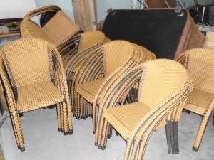Sản phẩm bàn ghế mây nhựa được sản xuất tạo nên một phong cách mới cho không gian.