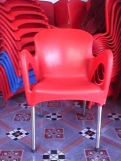 Cần thanh lí 50 bộ bàn ghế caphê giá rẻ nhất