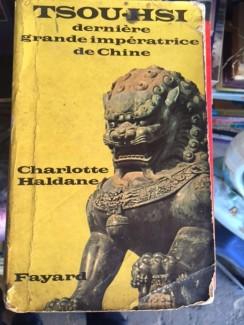 Chuyên bán sách cũ hiếm tại Bình Thạnh.