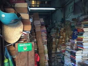 Truyện,Sách cũ đủ loại tại Bình Thạnh.