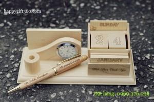 Lịch gỗ để bàn - Qùa tặng ý nghĩa