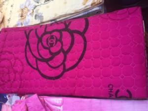 Mền cotton hình hoa hồng màu hồng rất đẹp