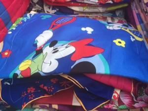 Bao gối hình chuột Mickey