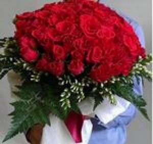 """Một đóa hoa đẹp được gửi đi chính là một lời yêu thương mà  Shop hoa nghệ thuật Thủy Tiên muốn gửi gắm theo đó. Là một trong những công ty hàng đầu tại Việt Nam về cung cấp dịch vụ điện hoa,  Shop hoa nghệ thuật Thủy Tiên sẽ mang đến cho quý khách hàng sự tin tưởng và hài lòng nhất. Thông điệp """"Vui lòng người nhận, vẹn lòng người trao"""""""