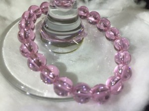 Tinh tế và nhẹ nhàng với vòng đeo tay Ngọc Topaz hồng 100% tự nhiên - 8 ly