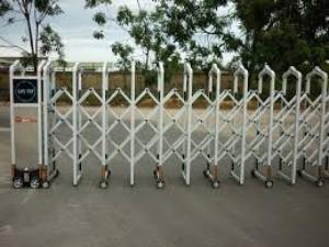Sửa chữa cổng xếp inox tự động,