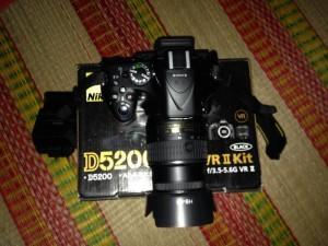 Bán máy Nikon D5200 fullbox 100% và lens 18-55mm VRII