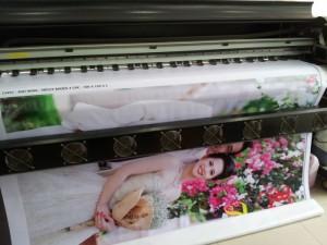Đặt in nhanh phông nền cưới đẹp, rõ, chất lượng tốt tại In Kỹ Thuật Số | Gửi ngay file thiết kế về innhanh@inkythuatso.com để được thiết kế viên của In Kỹ Thuật Số kiểm tra file đặt in cho bạn