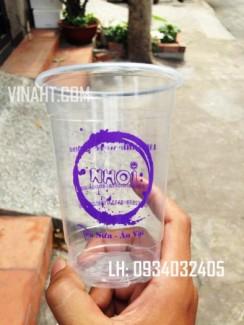 Ly nhựa sản xuất theo tiêu chuẩn quốc tế.