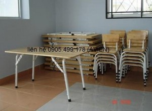 bàn ghế gỗ mầm non