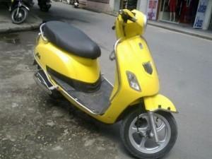 Bán xe ga suzuki Bella 125 kiểu dáng Piaggio Vespa màu vàng, đời 2011