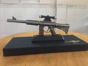 Bật lửa hình súng M16 dài 25cm