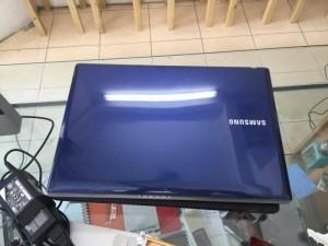 Samsung r429 core i3 , ram 2gb , hdd 320GB VGA rời