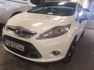 Ford Fiesta S 2k12 màu trắng