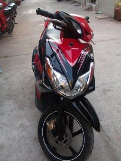 Yamaha Luvias màu đỏ-đen xe đẹp mới 95%