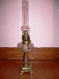 Đèn dầu cổ của Pháp: