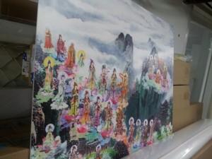 Phông nền trong phòng thờ, hay phòng của người lớn tuổi với hình ảnh tôn giáo, hình ảnh tín ngưỡng | Chất liệu in PP cán bồi format