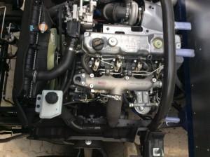 Động cơ D4DB, loại 4 xilanh thẳng hàng, công suất 130 mã lực,gắn Turbo tăng áp và được làm mát bằng nước. Đảm bảo cho động cơ bền bỉ và tiết kiệm nhiên liệu.