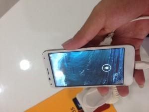 Smartphone chính hãng giá rẻ  B one