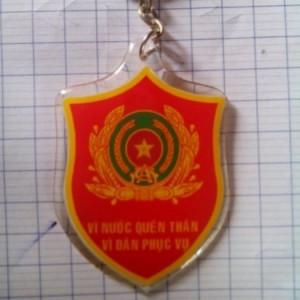 Bán móc khoá logo công an