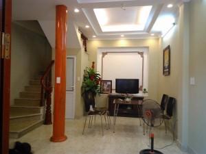 Cần bán gấp nhà riêng ngõ 327 Trần Đại Nghĩa, HBT, DT: 32,5m2x5 tầng mới, giá 2,4 tỷ