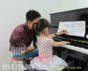 Trung tâm Hà Ngọc Chiêu sinh các lớp nhạc: Piano,Guitar,Thanh Nhạc tại Quận 11,Quận Bình Thạnh giá 310k/tháng.