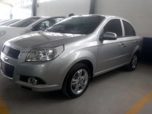 Chevrolet Aveo LT màu bạc, mới hỗ trộ cho...
