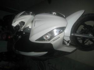 Cần bán xe Honda Vision màu trắng đời cuối 2012