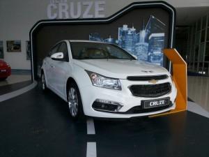 Chevrolet Cruze 2016 khuyến mãi lớn trong tháng bằng tiền mặt