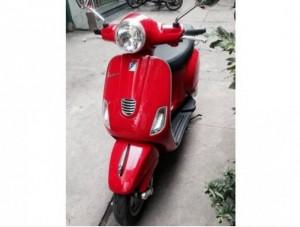 Vespa LX màu đỏ 125 3vie cuối 2013 còn cứng