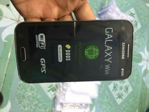 Smart phone samsung galaxy win i8552.