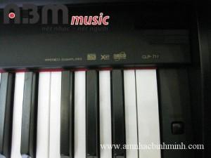 Đàn Piano điện Yamaha CLP 711