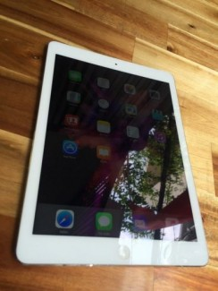IPAD AIR 16G WIFI 3G-4G like new zin  100%