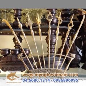Bát bửu, chấp kích, 8 binh khí bày trên bàn thờ, đình chùa, cao 25cm,35cm, đồ đồng thờ cúng