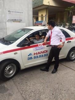 Taxi Group Tuyển Lái Xe - Bổ Túc Tay Lái