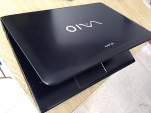 Bán Sony SVE 14 coi5-3210m/ ram 4g/ổ 30g/màn 14inh/máy màu đen đẹp suất sắc nguyên tem hãng nhé