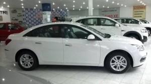 Chevrolet cruze lt màu trằng,giá tốt,thích hợp chạy dịch vụ hoặc gia đình