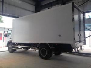 Xe tải Fuso FI nhập khẩu tải trọng 7.2 tấn  có xe giao ngay