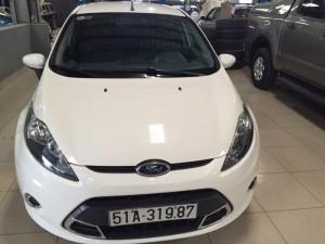 Bán Ford Fiesta 1.6 AT 05 cửa sx 2012 màu trắng