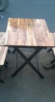 Bàn ghế gỗ giá rê nhât