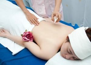 Thư giãn massage  toàn thân cho chị em phụ nữ