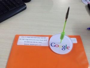 Google, wobbler để bàn google, wobbler để bàn độc, wobbler để bàn đẹp, wobbler để bàn sang trọng.