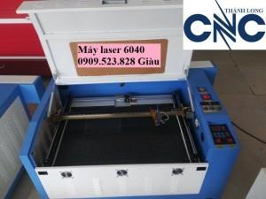 Máy cắt khắc Laser cắt khắc con dấu, cắt da, simili